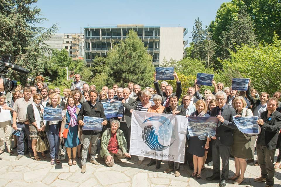 Membres de la Plateforme Océan et Climat mobilisés à l'UNESCO le 8 juin à l'occasion de la Journée Mondiale de l'Océan